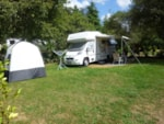 Pitch - Confort pitch 1 - Electricity 10 A - Water - Sewage connection 110m² - Camping Le Ty Nadan