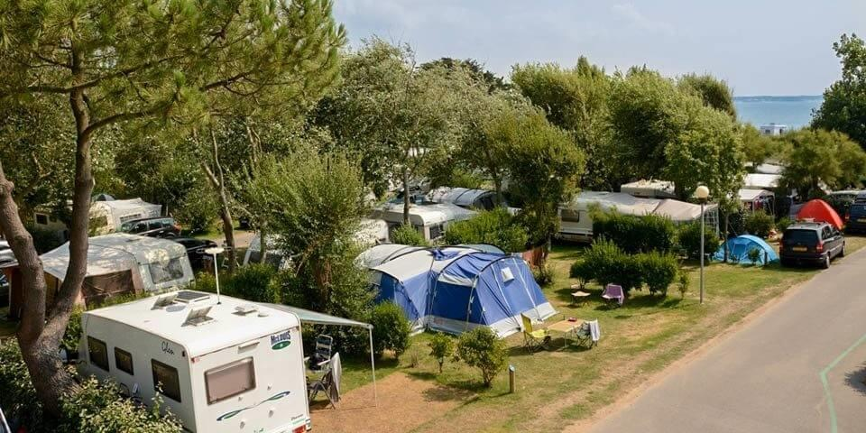 Emplacement - Emplacement + 1 Voiture - Camping Les Iles