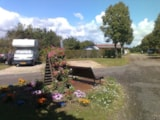 Pitch - Pitch without electricity (1 car with tent or caravan or Campervan included) - Camping La Croix Badeau