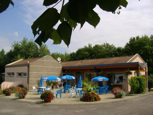 Camping in champagne ardenne camping direct for Camping champagne ardennes avec piscine