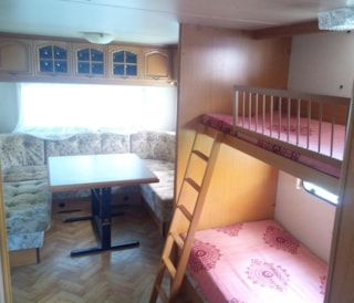 Holiday Home + Caravan Rosa