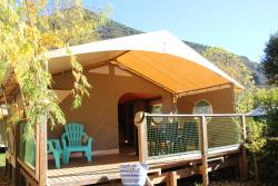 Furnished tent Canada 20m² with private facilities (2 bedrooms)**