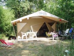 Location - Tente Lodge Canada | 2 Chambres - Camping Les Chapelains