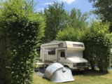 Pitch - Package pitch - view on Cresta : 1 Car + 1 Tent or Caravan (without electricity) - Camping Les Chapelains