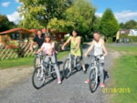 Beaches Camping ''LE PONT ROUGE ET LES VIGNES'' - CHIPILLY