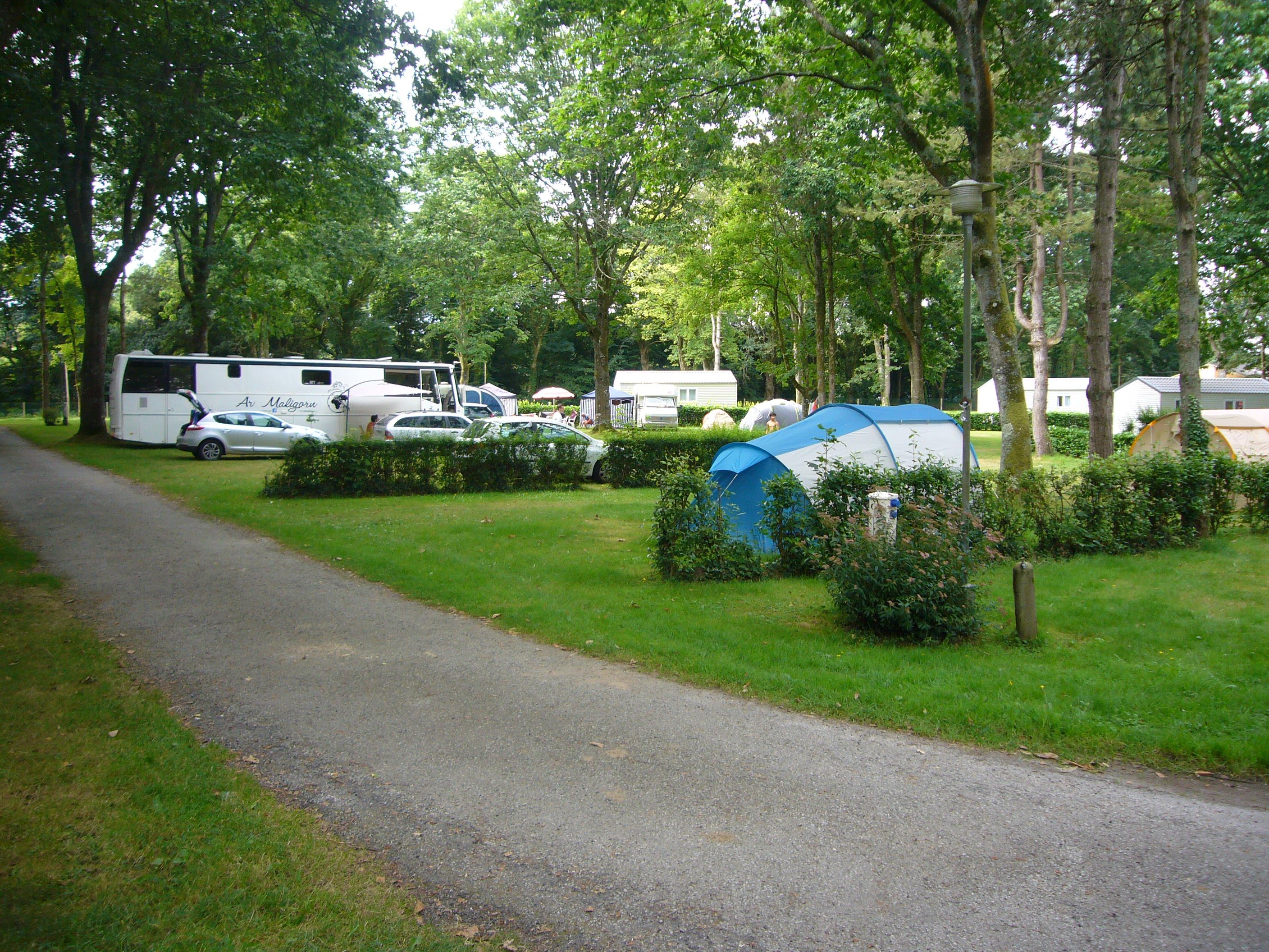 Emplacement Camping tente, caravane, camping car - surface >100m² MAXI 4 PERS