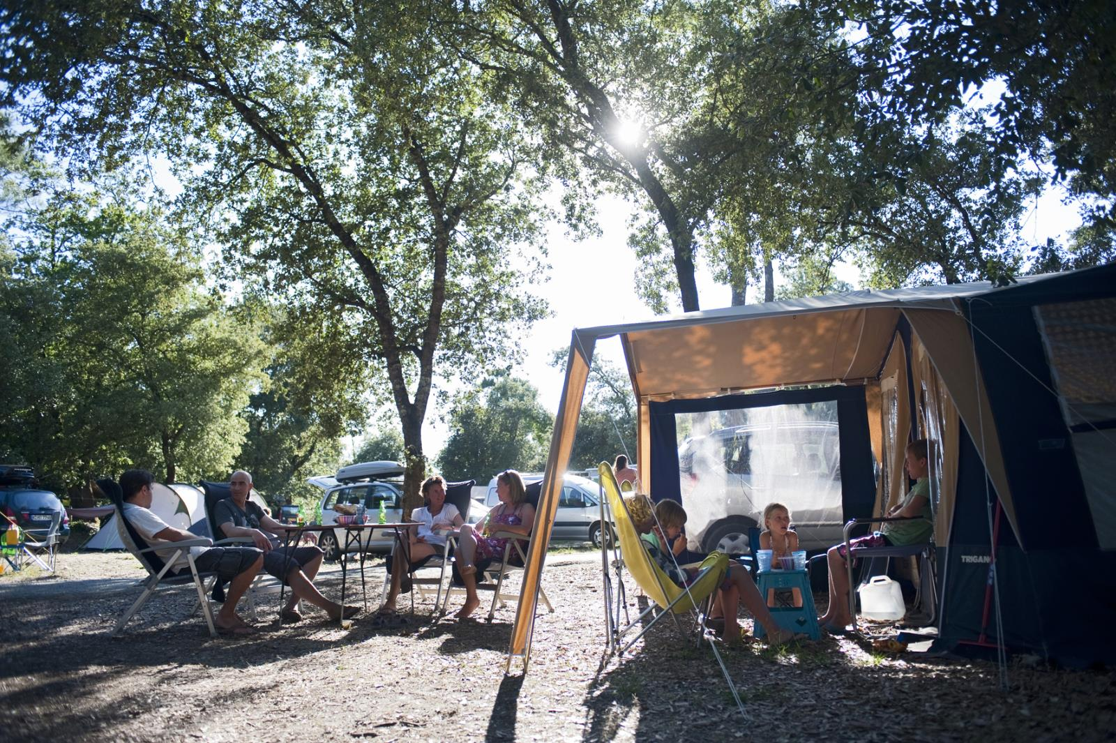 Emplacement - Emplacement Camping + Confort - Huttopia Oléron Chênes Verts