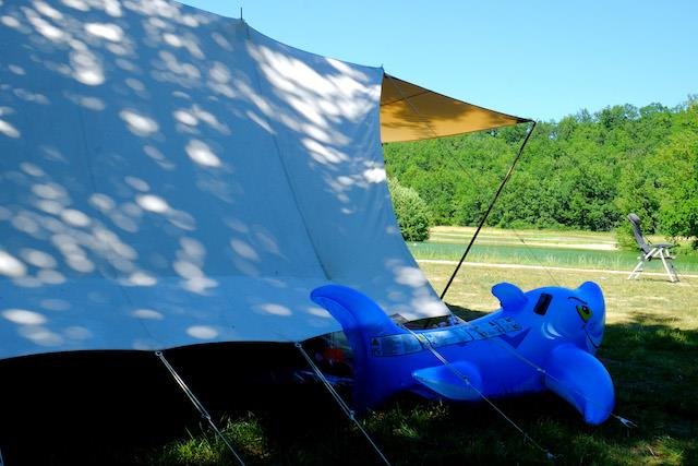 Package **** :  LAKESIDE Pitch 2nd line+ car + tent/caravan or camping-car + water and drainage point + electricity
