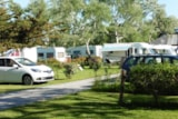 Pitch - Pitch + vehicle - Camping LA FONTAINE