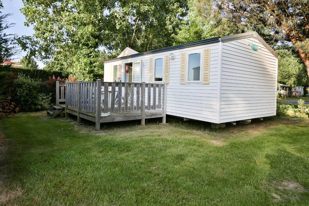 Mobil-home with terrace