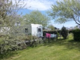 Pitch - Package Motorhome  - Camping Pitch Quickstop Bretagne - Flower Camping La Pointe du Talud