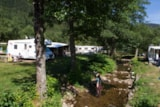 Pitch - Privilege Package (1 tent, caravan or motorhome / 1 car / electricity 6A) - Flower Camping VERTE VALLEE
