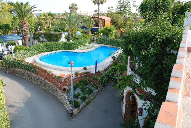 Mare, piscina Camping & Bungalows Estanyet - Les Cases d'Alcanar