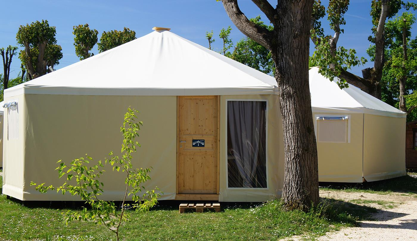 GLAMPING BUNGALOW-TOILE'
