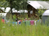 Pitch - Camping pitch CONFORT 100m² - Price including 2 pers. - With electricity - CosyCamp
