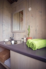 Rental - Lodge Cabin 27m² - 2 bedrooms + terrace 12m² - CosyCamp