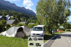 Pitch - Comfort Pitch (Tent + Car, Motorhome And Caravan + Electricity) - Camping Des Petites Roches
