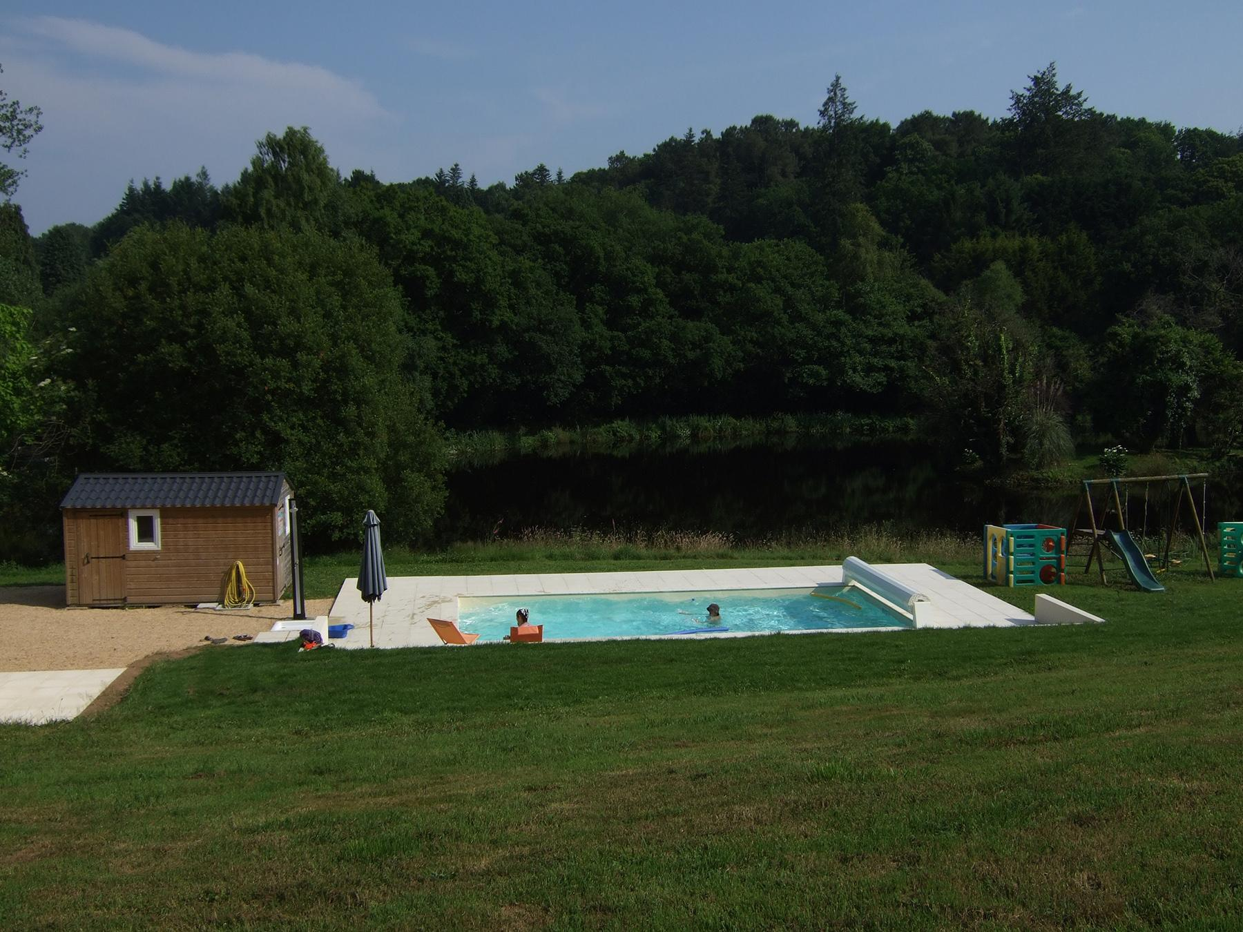 Bathing Vallon de Kerlenn Camping Nature - GUERN