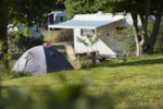Emplacement - Emplacement Camping-Car 90m² + véhicule - Camping LES SALINES