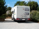 Pitch - Pitch : car + tent/caravan or camping-car, included access to the inside swimming pool - Camping TY NENEZ