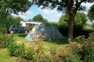 Pitch : car + tent/caravan or camping-car, included access to the inside swimming pool