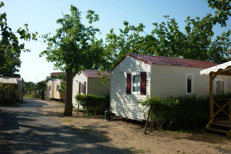 Mobilhome Piscinois Confort 20.90m² - 2 chambres avec climatisation + terrasse couverte