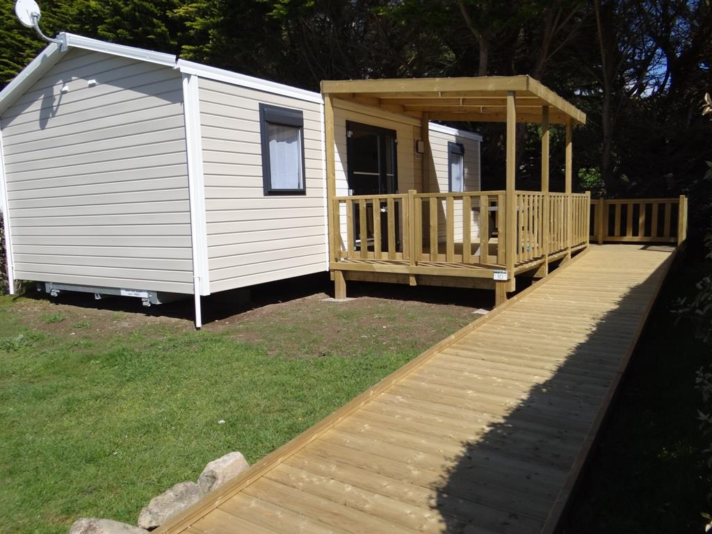 Mobile home terrace for disabled
