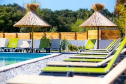 Baignade Lodges En Provence - Richerenches