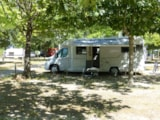 Pitch - Pitch (1 tent, caravan or motorhome) + 1 car - Le Lac Camping - Club