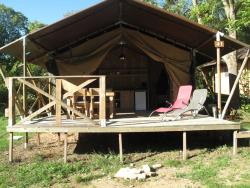 Accommodation - Luxury Lodge Tent - Camping les Chamberts