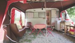 Rental - Vintage Caravan From The 70'S - Camping les Chamberts