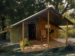 Accommodation - Cozy Nature Canvas & Wood Hut - Camping les Chamberts
