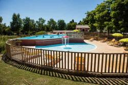 Establishment Camping Domaine Le Vernis - Azillanet