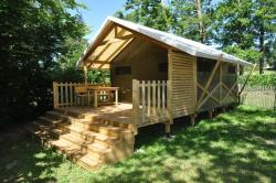 Rental - Lodge Tent 27m² - without toilet blocks - Camping du Grand Etang de Saint-Estèphe