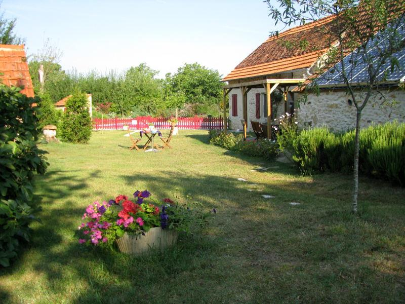 Small naturist campsites in France: book camping pitches
