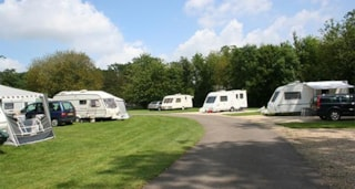 Burford Caravan Club Site - Burford