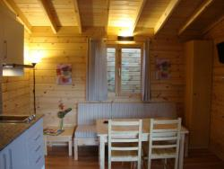 Bungalow B2 (2 Adultes + 1 Enfant)