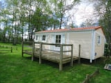 Rental - Mobilhome 1-4 persons with possibility to add an extra tent and 2 persons extra with a supplement - Camping Des Prairies d'Auvergne