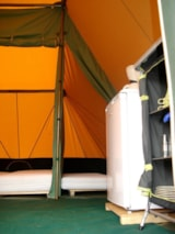 Rental - Tent fully equiped 1-4 persons - Camping Des Prairies d'Auvergne