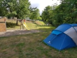 Pitch - Pitch Trekking Package by foot or by bike with tent - Camping de l'Orangerie du Domaine de Giraud