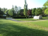 Pitch - Package motorhome (1 Night) - Camping de l'Orangerie du Domaine de Giraud