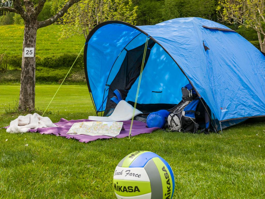 Pitch Small Tent