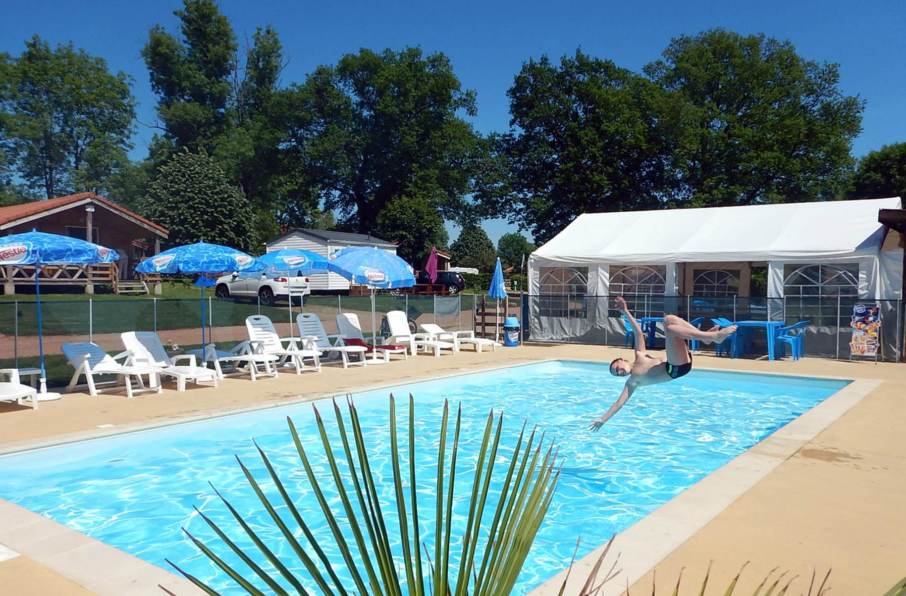 Zwemplezier Camping Des Papillons - Lalizolle