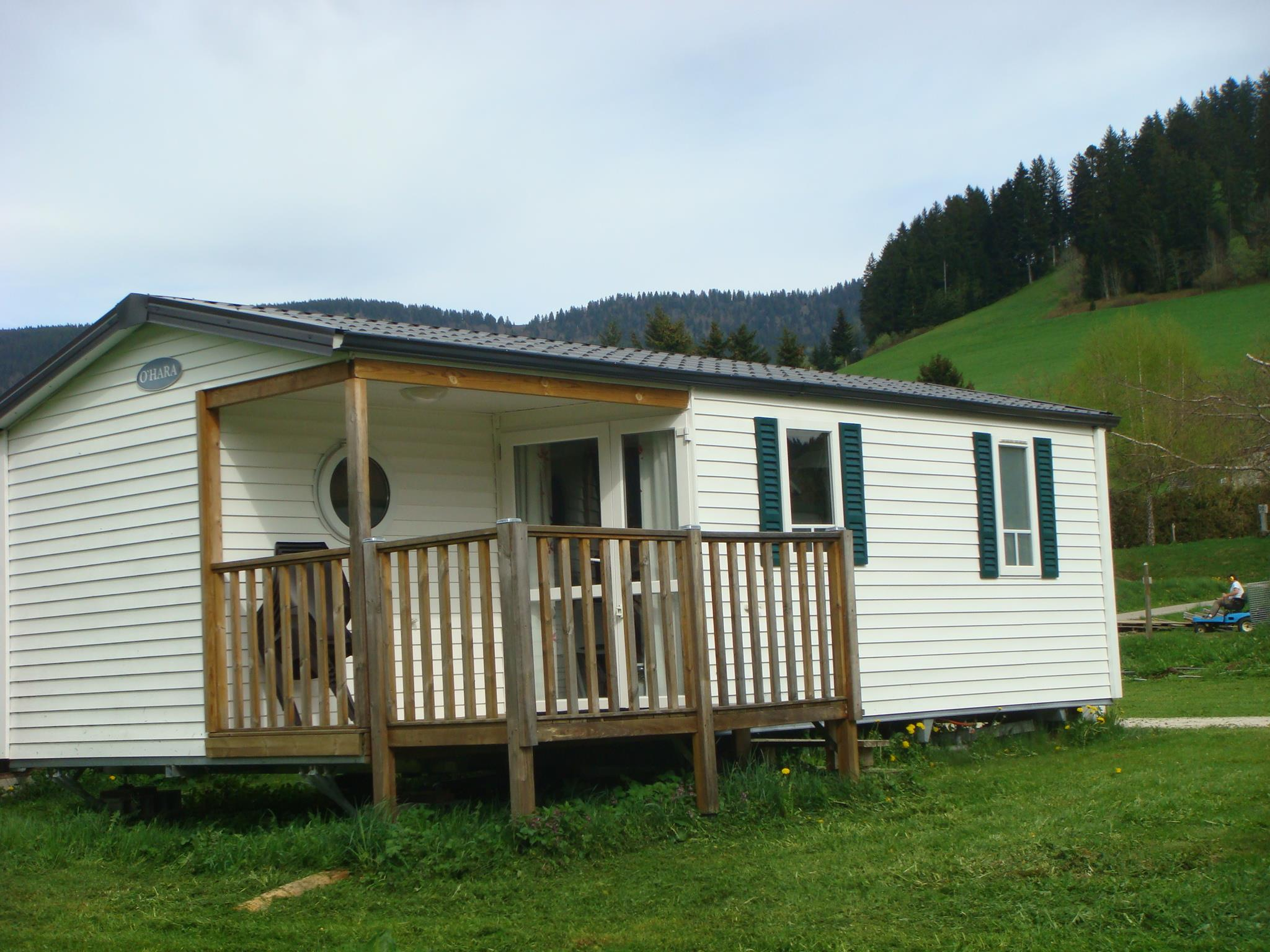 Rental - Mobile Home Confort Narcisse - 2 Bedrooms - 25M² + Half-Covered Terrace 7M² - Camping Le Vercors