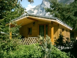 Accommodation - Chalet Grand Confort 45M2 Nuitée - Camping la Cascade