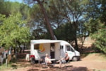 Standplaats - Ptich per Caravan + 1 place per vehicle - Camping Les Cigales