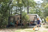 Pitch - Ptich per Caravan + 1 place per vehicle - Camping Les Cigales