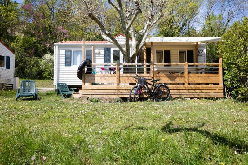 Mobil-Home Grand Confort BLEU 32m² 3ch. - 6pers. (1/10)