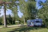 Pitch - Pitch campsite with electricity - Camping des Pêcheurs