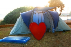 Pitch Medium Tent + Electricity Seaview